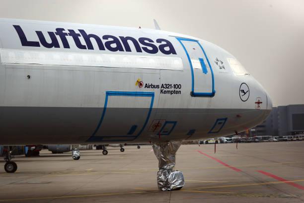 DEU: Grounded Deutsche Lufthansa AG Aircraft Ahead of Earnings