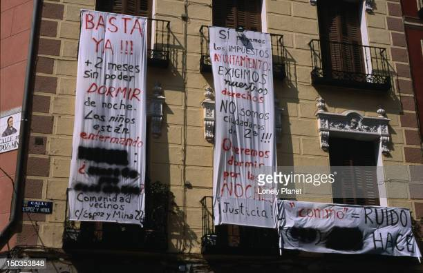 Protest banners agains Madrid city's noise pollution.