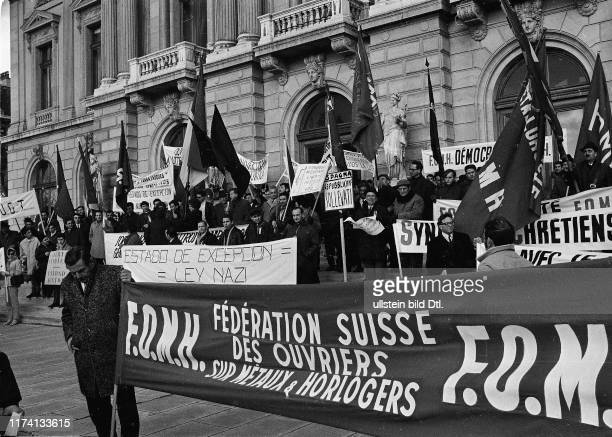 Protest gegen Ausnahmezustand Faschismus in Spanien