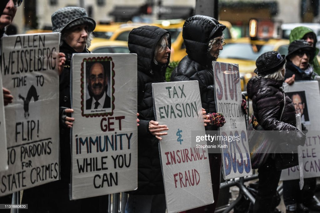 NY: Protestors At Trump Tower Call On Trump Executives To Cooperate With Congress