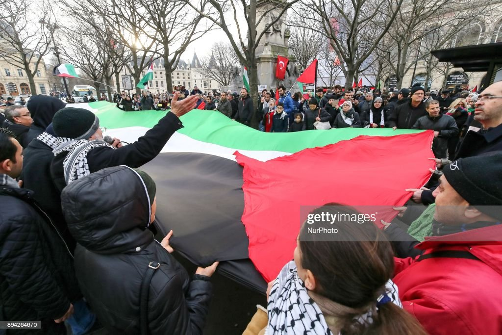 Protest in Paris against Trump's decision to recognise Jerusalem as the capital of Israel