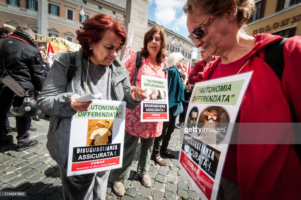 ITA: School Workers Protest In Rome