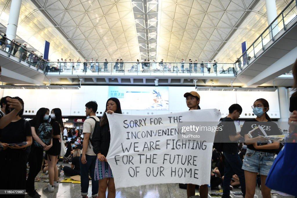 Protesters At Hong Kong International Airport : News Photo