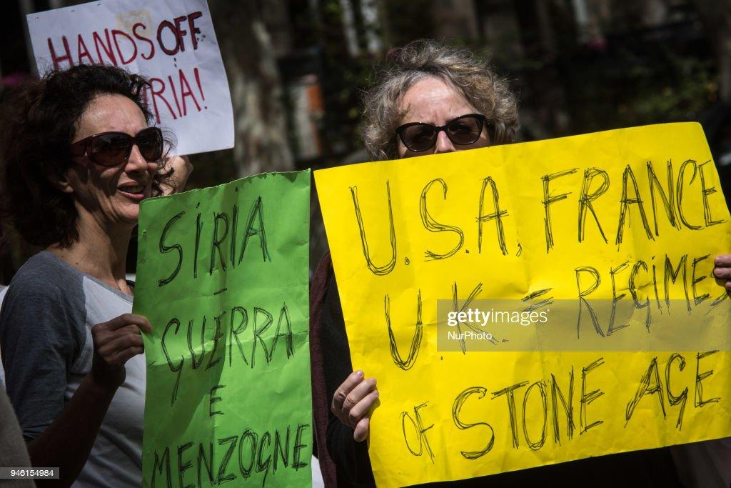 Protest in Rome Against Military Action In Syria : Fotografía de noticias