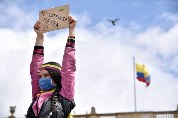 COL: Colombians Continue To Strike After Unsatisfactory First Meeting With Duque