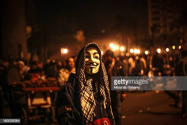 CONTENT] A protester in Tahrir square during clashes with riot police