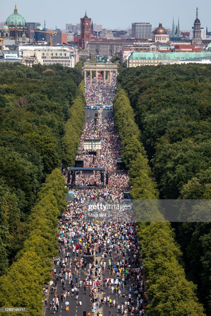 """Day Of Freedom"" Protest March In Berlin : Nachrichtenfoto"