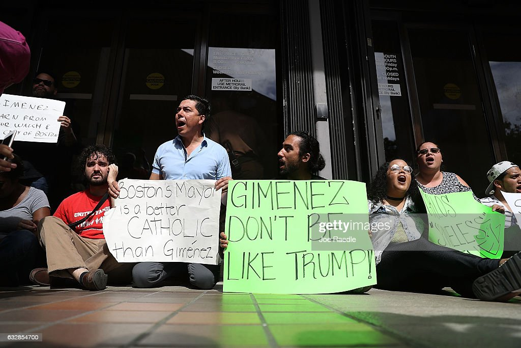 Immigration Activists Protest Miami Mayor's Decision To Compile With Trump's Sanctuary City Ban : News Photo