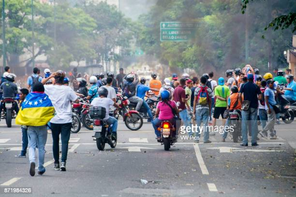 Protesters are concentrated in the avenue Francisco de Miranda in Altamira of the repression of the police and national guard New demonstrations on...