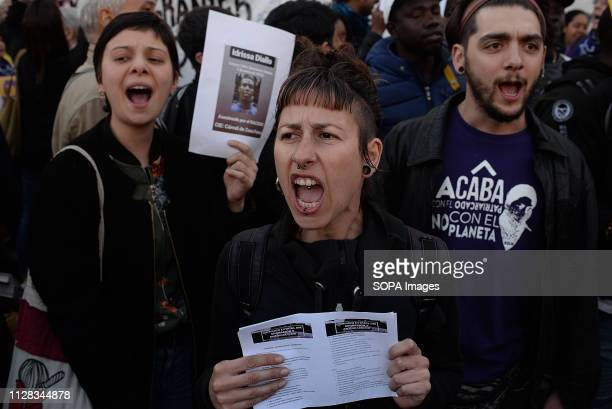 ALUCHE MADRID MADRID SPAIN Protesters are seen chanting slogans during the protest against racism in front of the Immigrant detention centre in...