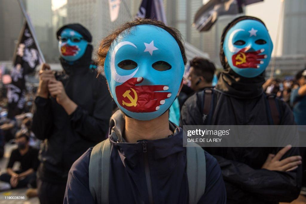 TOPSHOT-HONG-KONG-CHINA-POLITICS-RIGHTS : News Photo