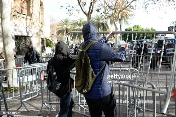 Protesters block the roads near the Llotja de Mar where the cabinet meeting held in Barcelona Spain on December 21 2018