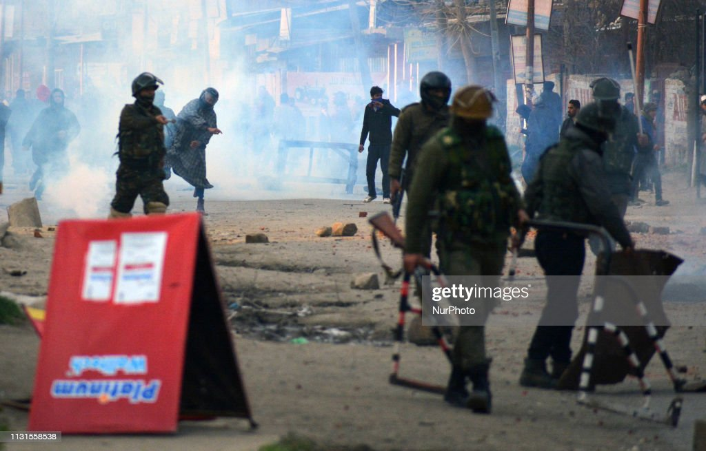 IND: Clashes Erupt After Teacher Dies In Police Custody In Kashmir