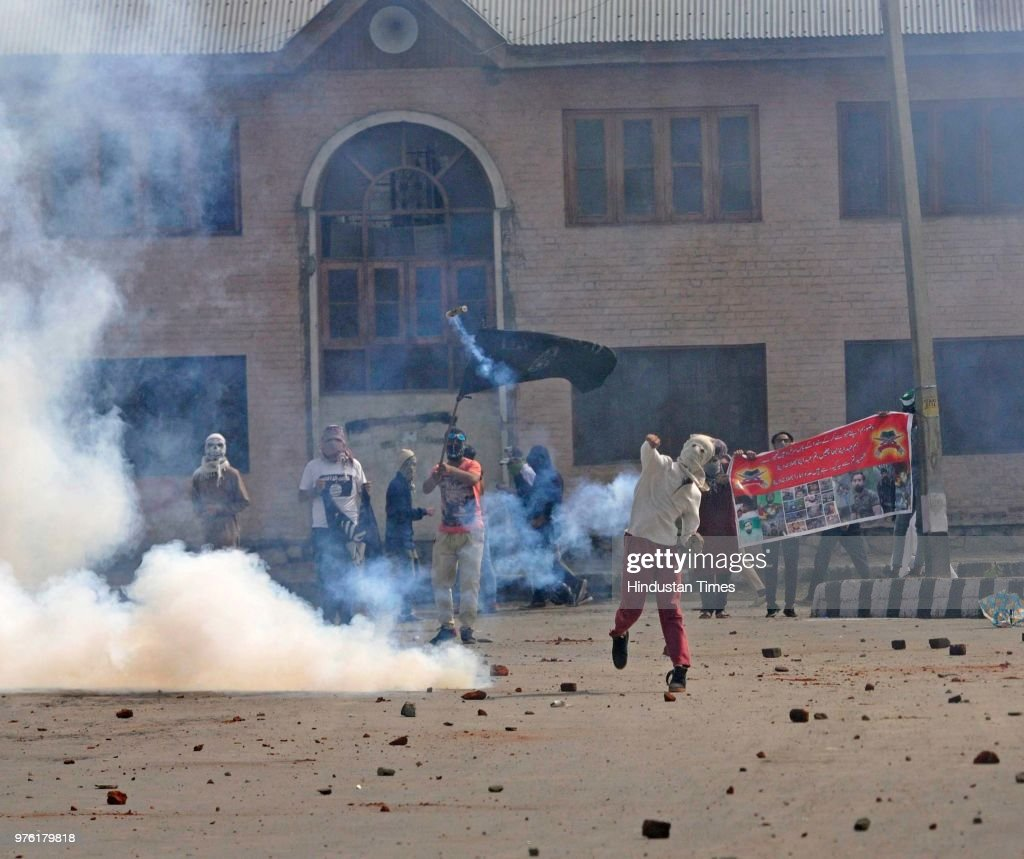 Clashes Erupt After Eid Prayers Across Kashmir