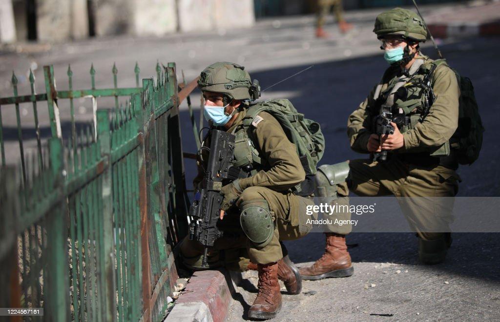 Israeli forces injure 15 in West Bank : Nieuwsfoto's