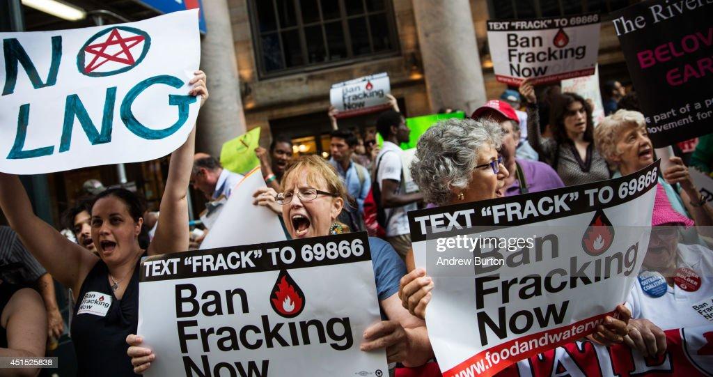 Anti-Fracking Demonstrators Protest Outside Fundraiser For Gov. Cuomo : News Photo