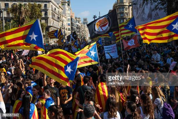 Protesters demonstrate during a Catalan proindependence strike of university students on October 26 2017 in Barcelona Spain The Parliament of...