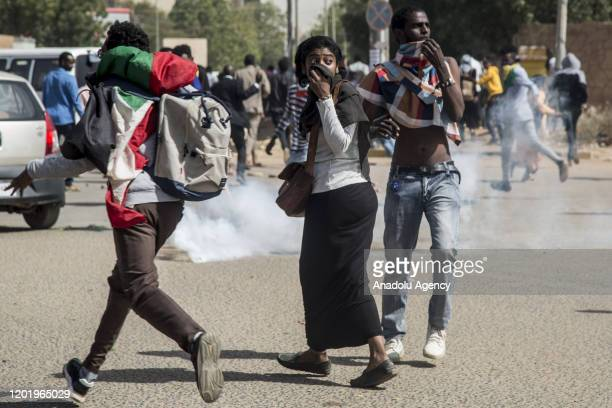 Protesters gathering outside the presidential palace clash with security forcers as they demonstrate against lieutenant general Abdel Fattah...
