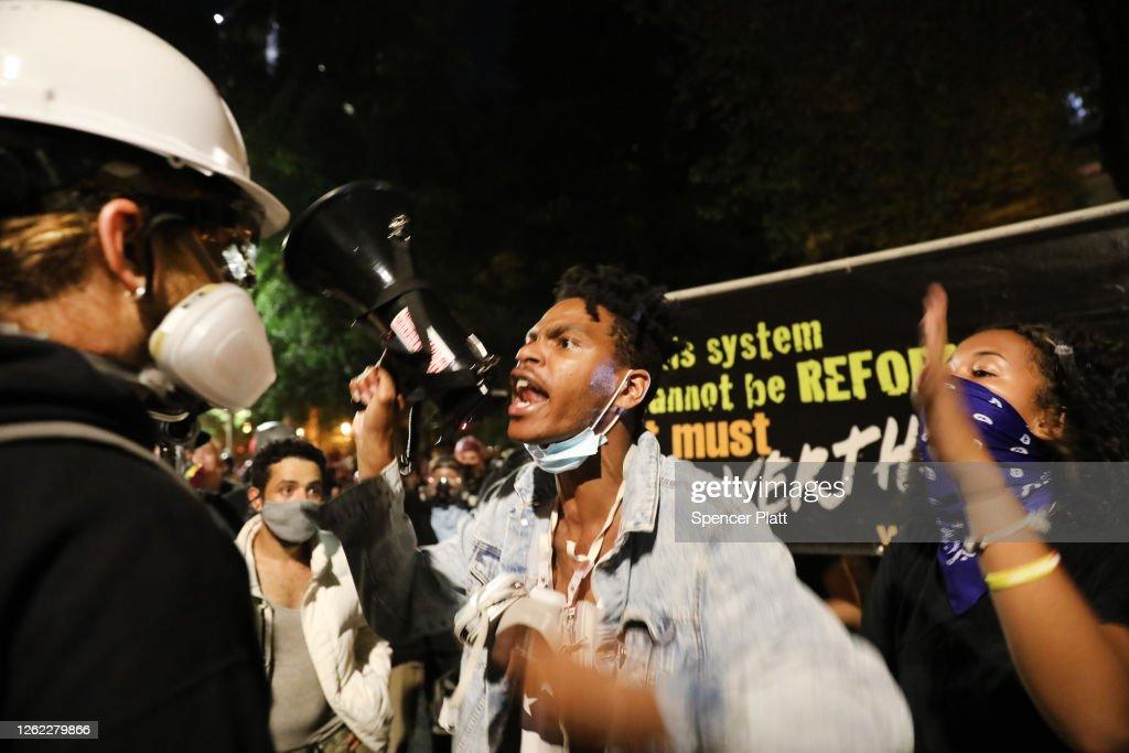 Portland Protests Continue Unabated Despite Federal Law Enforcement Presence : News Photo