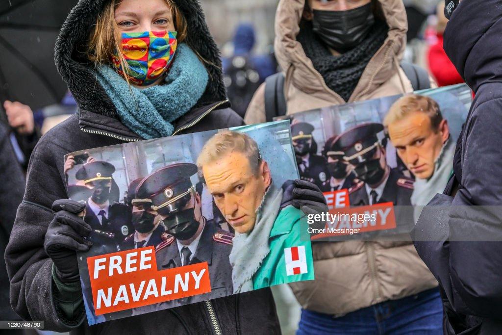 Supporters Of Alexei Navalny Gather In Berlin, Demand His Release From Russian Prison : Foto di attualità