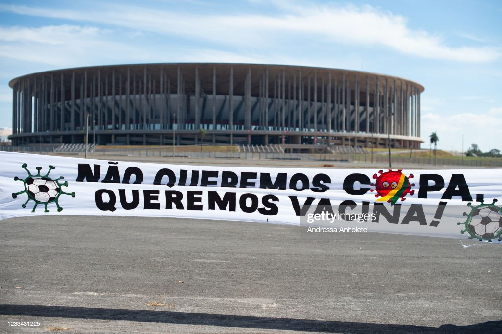 Brazilians Protest As The Country Hosts Copa America Amid Coronavirus Pandemic : ニュース写真