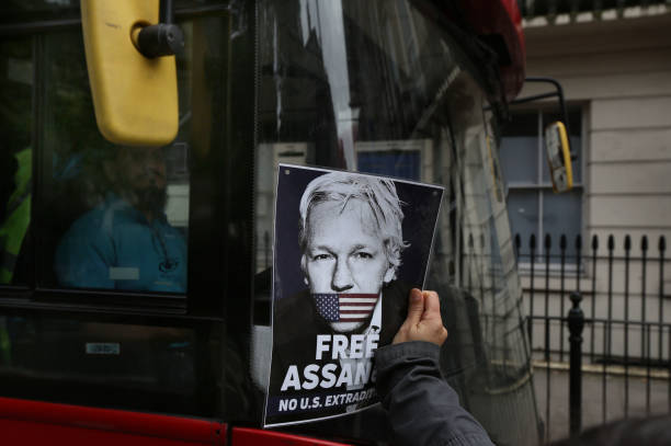 GBR: Supporters Of Julian Assange Protest Ahead Of Extradition Appeal