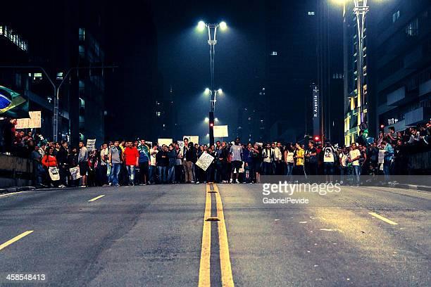 manifestantes na avenida paulista - protesto - fotografias e filmes do acervo
