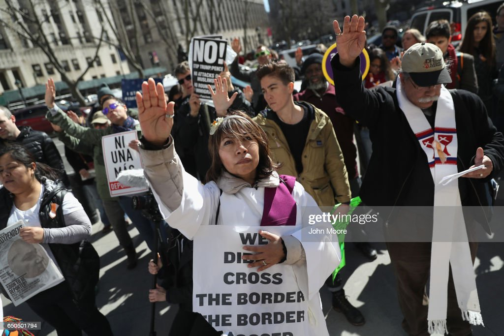 Activists Protest As Immigrants Attends Ice Hearing : News Photo