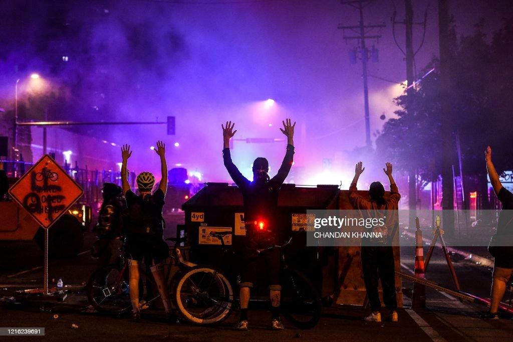 TOPSHOT-US-POLITICS-POLICE-JUSTICE-RACISM : News Photo