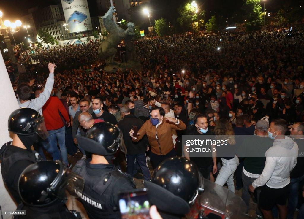 SERBIA-HEALTH-VIRUS-PROTEST : News Photo