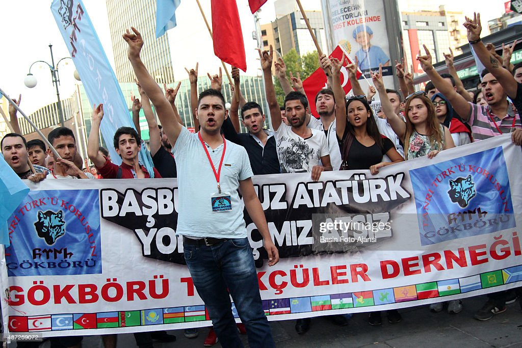 "Protesters show the symbol of Turkish nationalist ""wolf"",... : News Photo"