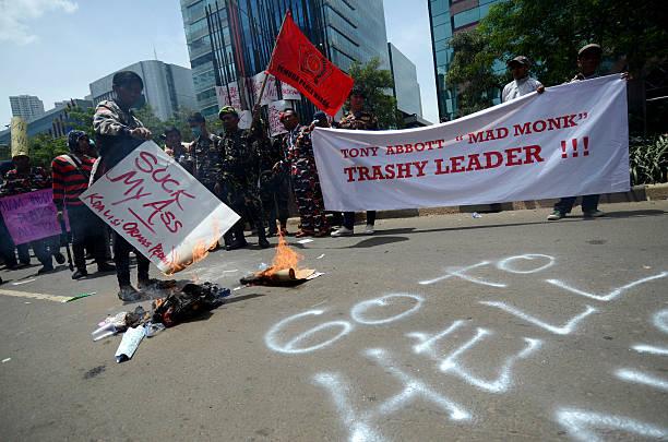 Photos et images de Protesters Gather At Australian Embassy