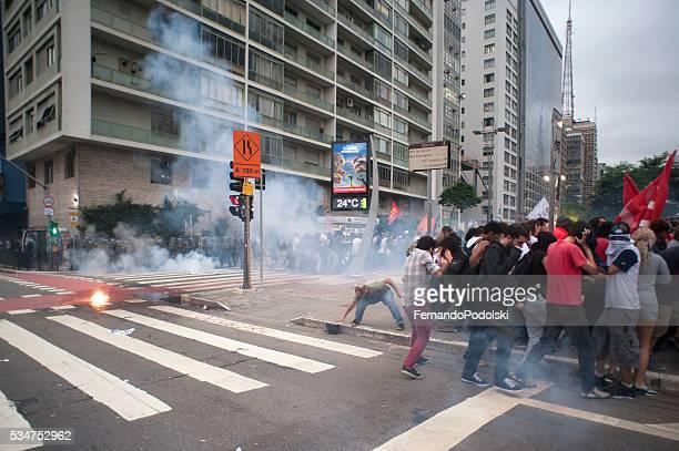 Demonstranten unter Attack