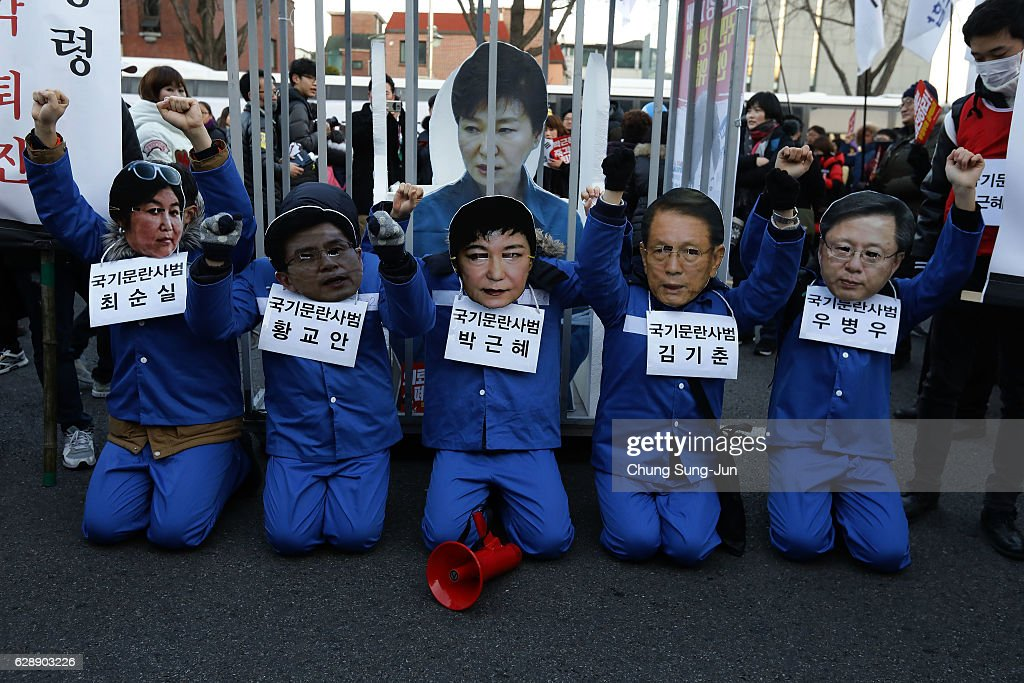 South Korea Rally Against President Park Continues : News Photo