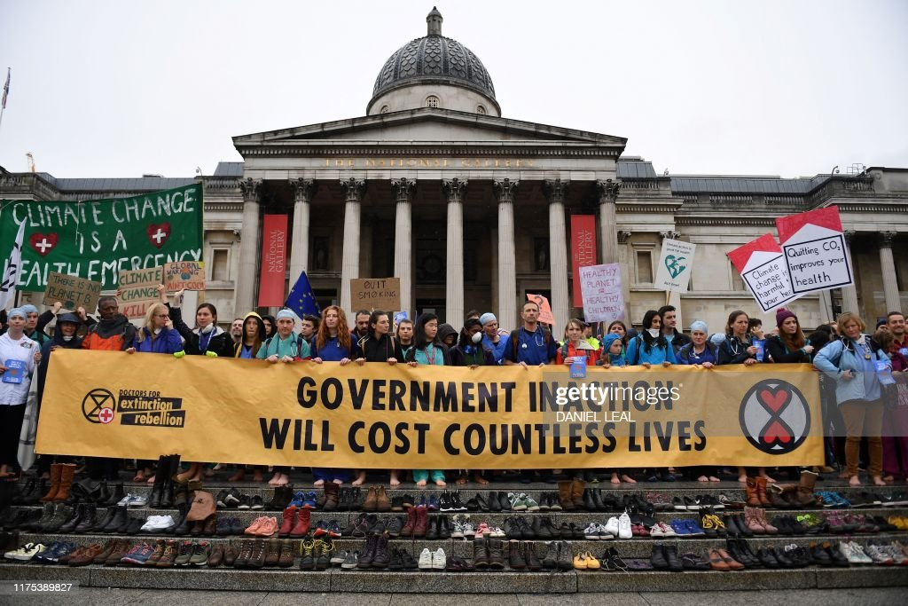 BRITAIN-ENVIRONMENT-CLIMATE-SOCIAL-PROTEST : News Photo