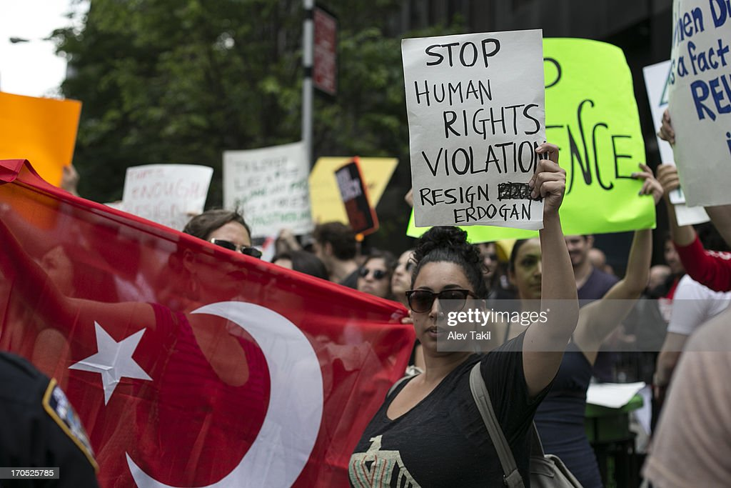 Protesting for Human Rights : News Photo