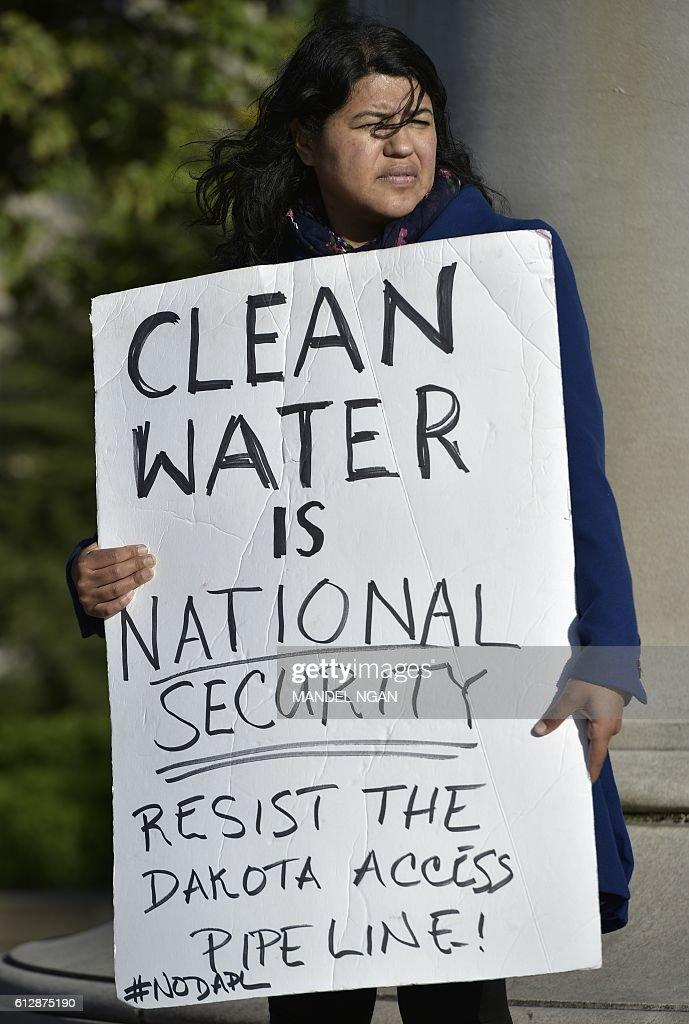 US-POLITICS-DAKOTA PIPELINE-PROTEST : News Photo