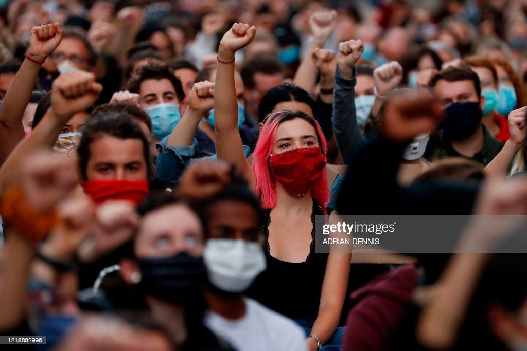 BRITAIN-POLITICS-RASCISM-UNREST : News Photo