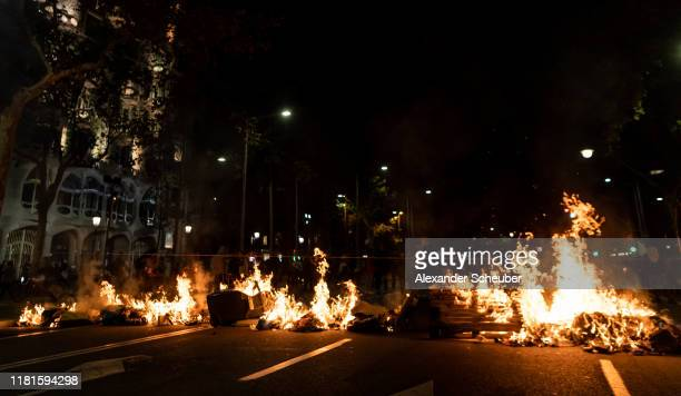 Protestors clash with the police on October 16 2019 in Barcelona Spain Earlier in the week the Spanish Supreme Court sentenced nine Catalan...