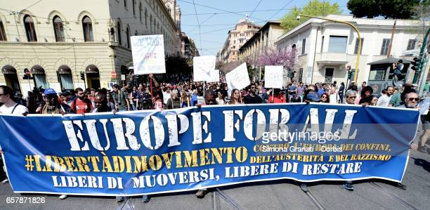 Protestors march during a demonstration for a united Europe democratic and welcoming against walls and frontiers for migrants on March 25 2017 in...