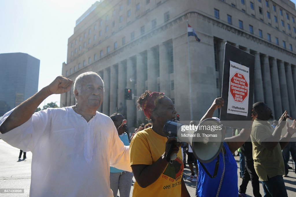 Protests Erupt Over Not Guilty Verdict In Police Officer's Jason Stockley Trial Over Shooting Death Of Anthony Lamar Smith : News Photo