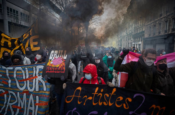 FRA: Nationwide Anti-Government Protest In Paris