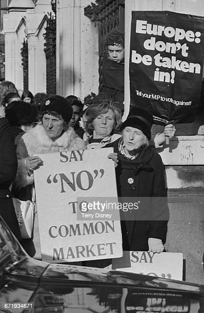 Protestors outside the House of Commons in London during the Common Market Debate UK 28th October 1971 One placard reads 'Say No To Common Market'