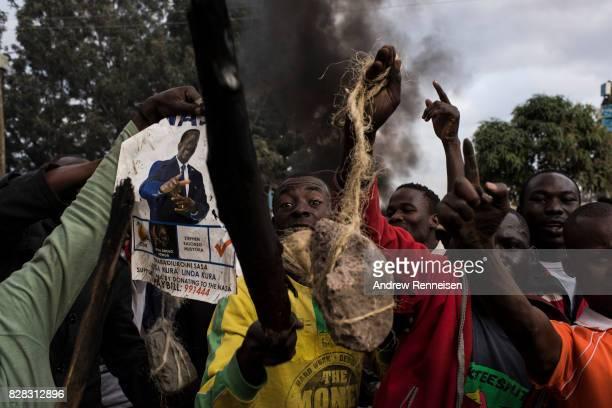 Protestors rally in Kibera Kenya's biggest slum on August 9 2017 in Nairobi Kenya The protest started after police allegedly killed two protestors in...