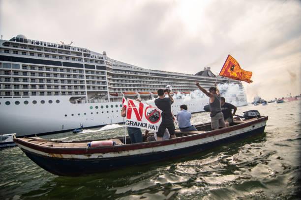 """ITA: Protests """"No Grandi Navi"""" In Venice"""
