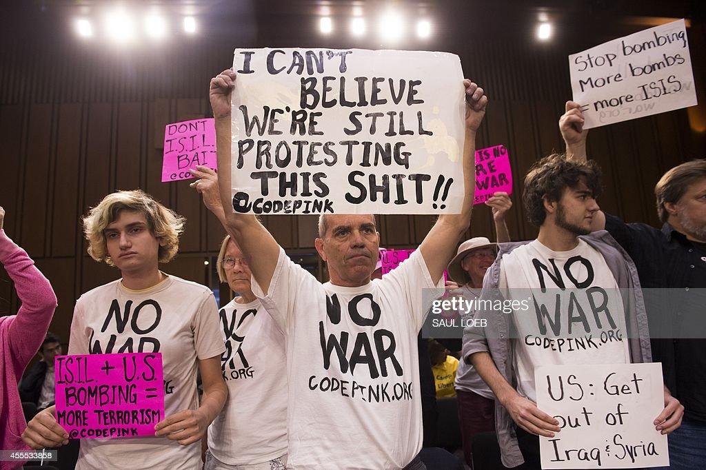 US-POLITICS-CONGRESS-MILITARY : News Photo