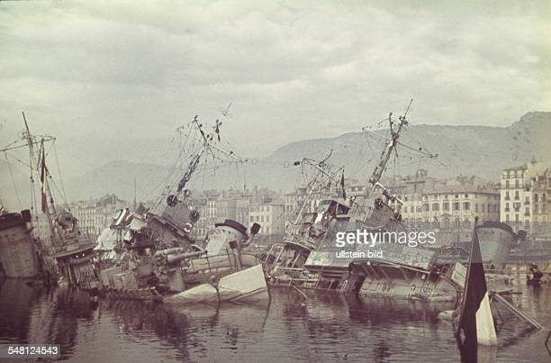 ProvenceAlpesCoted'Azur Toulon World War II Scuttling of the French fleet in Toulon on 27 November 1942 scuffled destroyer Photographer ullstein...