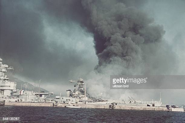ProvenceAlpesCoted'Azur Toulon World War II Scuttling of the French fleet in Toulon on 27 November 1942 flooded battleships Photographer ullstein...