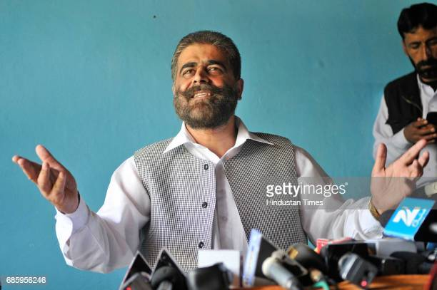 Provincial President of Hurriyat and Chairman of National Front Nayeem Khan addresses a press conference on May 20 2017 in Srinagar India Nayeem Khan...
