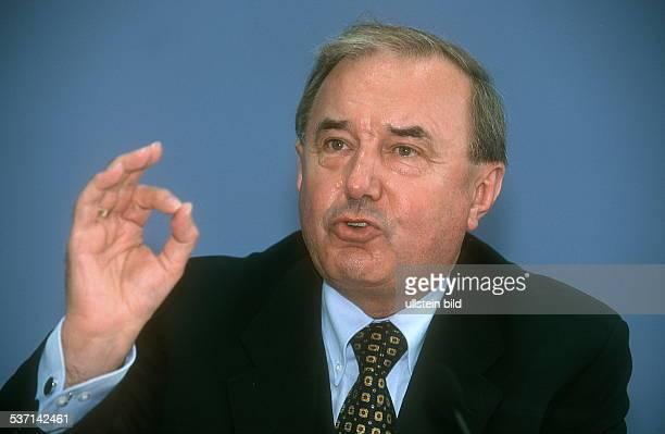 Präsident der Bundesanstalt für Arbeit, Porträt, - 2001